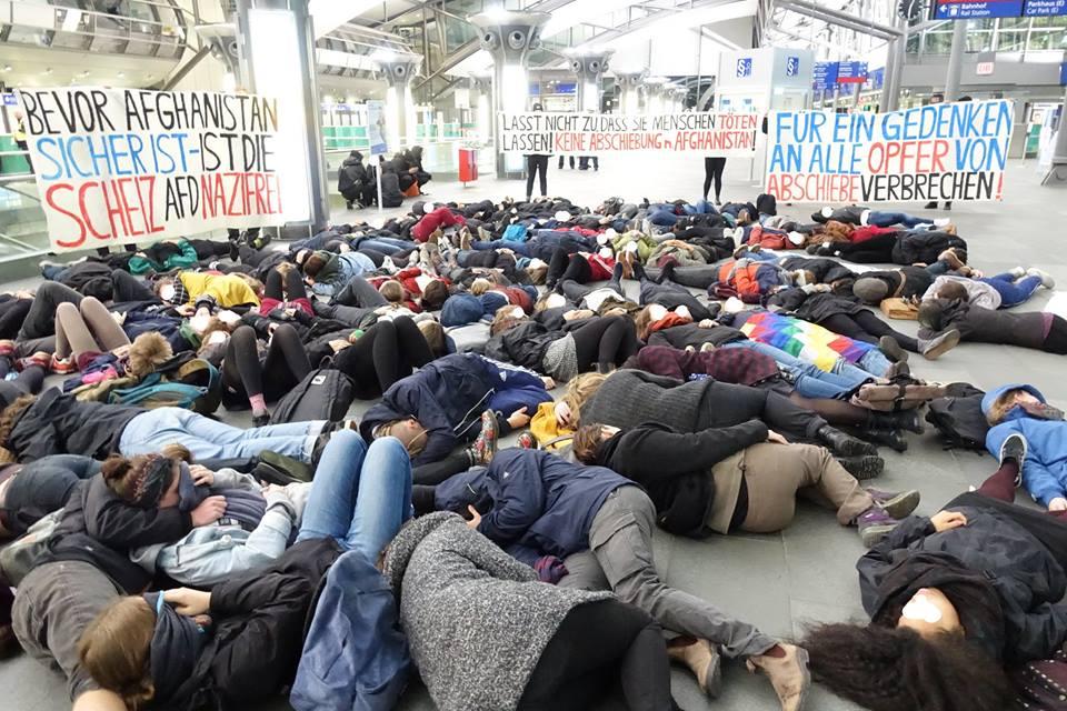 Protestaktion gegen Abschiebung nach Afghanistan